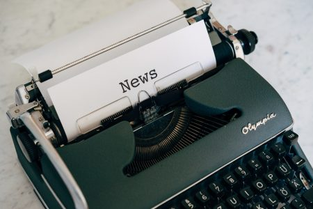 Blogging Versus Email Newsletter: Which Is Better for Writers?